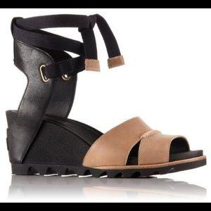 Sorel Joanie Wrap wedge leather sandal, sz 8